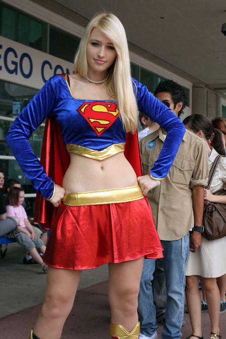 スーパマン(女性) スーパーガールのコスプレ画像 02