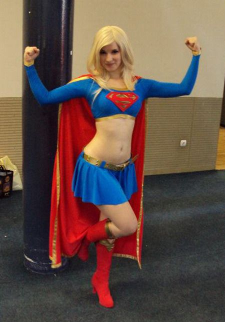 スーパマン(女性) スーパーガールのコスプレ画像 09