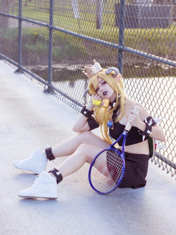話題沸騰 クッパ姫+キングテレサ姫のエロいコスプレ画像 03