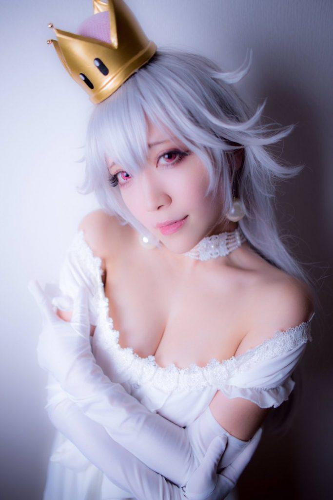 話題沸騰 クッパ姫+キングテレサ姫のエロいコスプレ画像 25