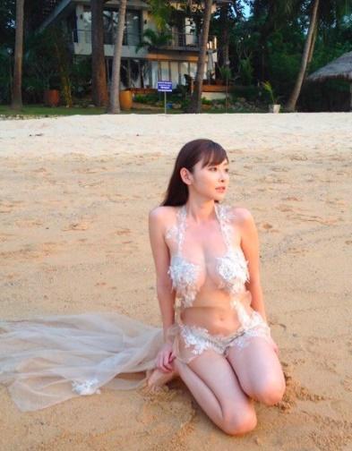 裸よりエロすぎるドスケベ水着まとめ 12