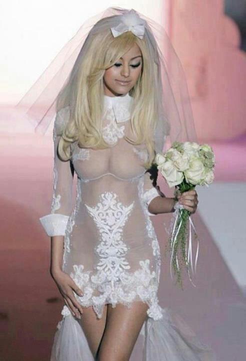 セクシーウェディングドレスのエロいコスプレ 09
